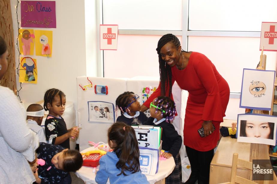Carlyn Rahynes, directrice des classes de maternelle 3... (Photo Richard Hétu, collaboration spéciale)