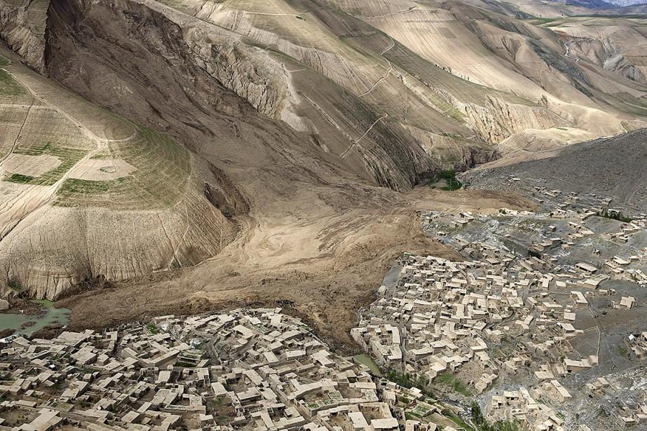Vue aérienne sur le village d'Abi Barik enseveli... (Photo Rahmat Gul, archives Associated Press)