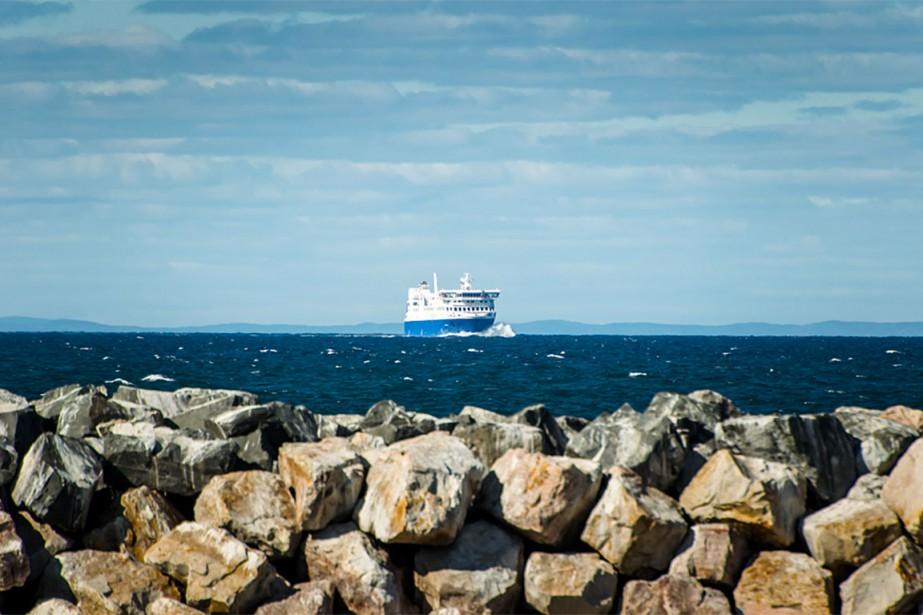 Le traversier F.-A.-Gauthier.... (Photo tirée du site www.traversiers.com/fr/a-propos-de-la-societe/nos-navires/nm-f-a-gauthier/)