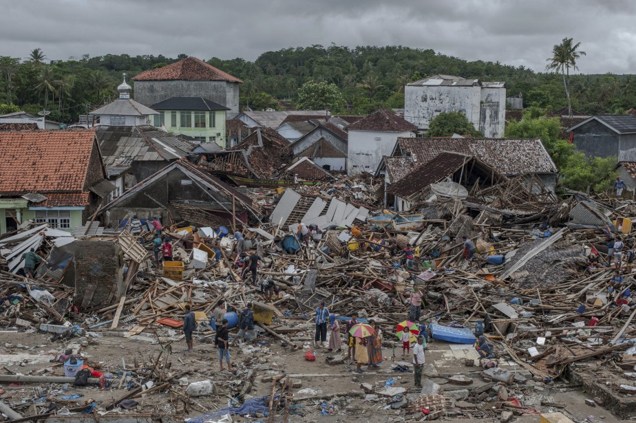 Au total, les catastrophes naturelles ont tué 10400... (Photo Fauzy Chaniago, AP)