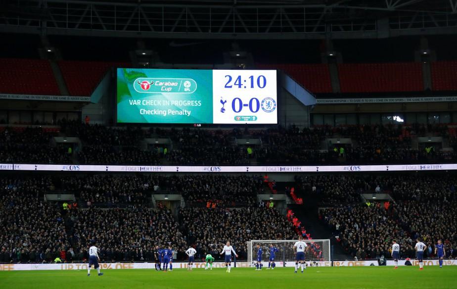 Les supporters de Chelsea ont été mis en... (PHOTO REUTERS)