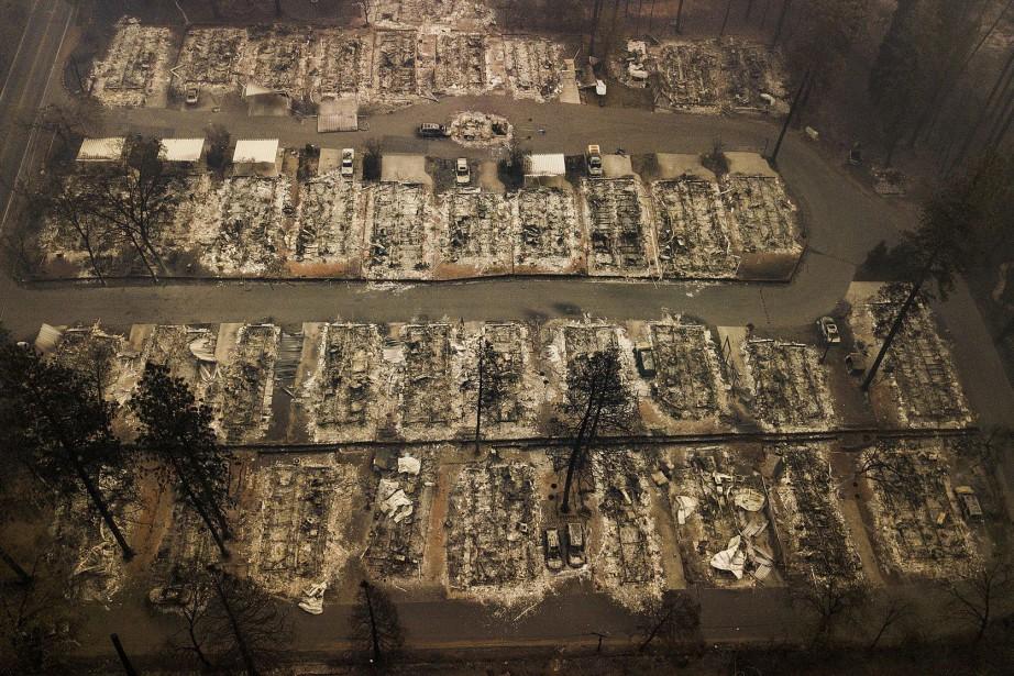 Un quartier rasé par les flammes en novembre... (Photo Noah Berger, archives Associated Press)