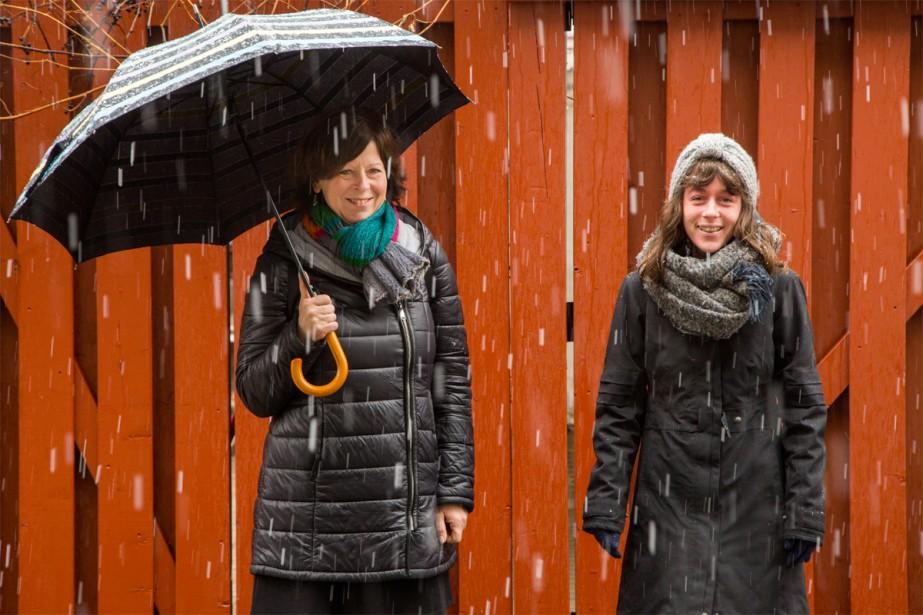 L'auteure Susan Semenak et la photographe Cindy Boyce... (Photo Martin Tremblay, La Presse)