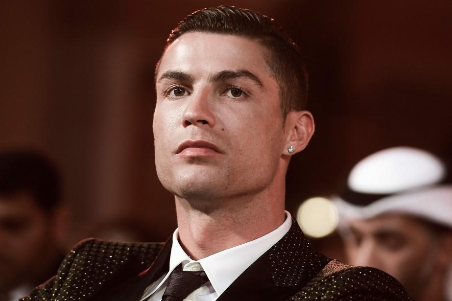 Le joueur de soccer portugais Cristiano Ronaldo... (Photo FABIO FERRARI, AFP)