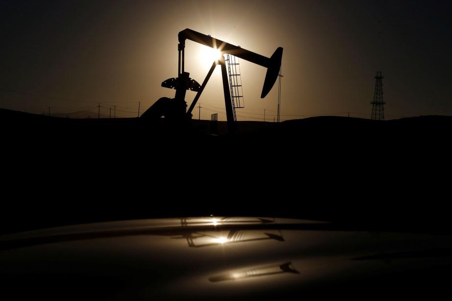 Les cours du pétrole ont reculé... (Photo Lucy Nicholson, archives REUTERS)