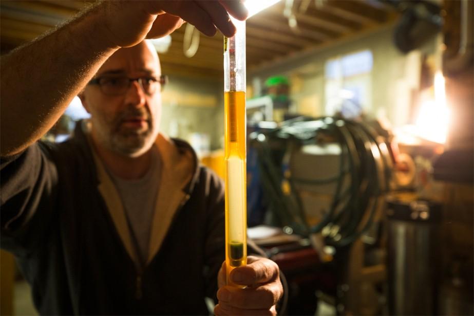 Parmi les nombreuses bières qu'il a créées dans... (PHOTO OLIVIER PONTBRIAND, LA PRESSE)
