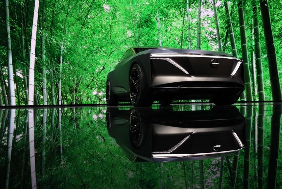 Le message est clair, Nissan veut que vous compreniez que le prototype Nissan IMs tout électrique est une voiture verte. | 15 janvier 2019