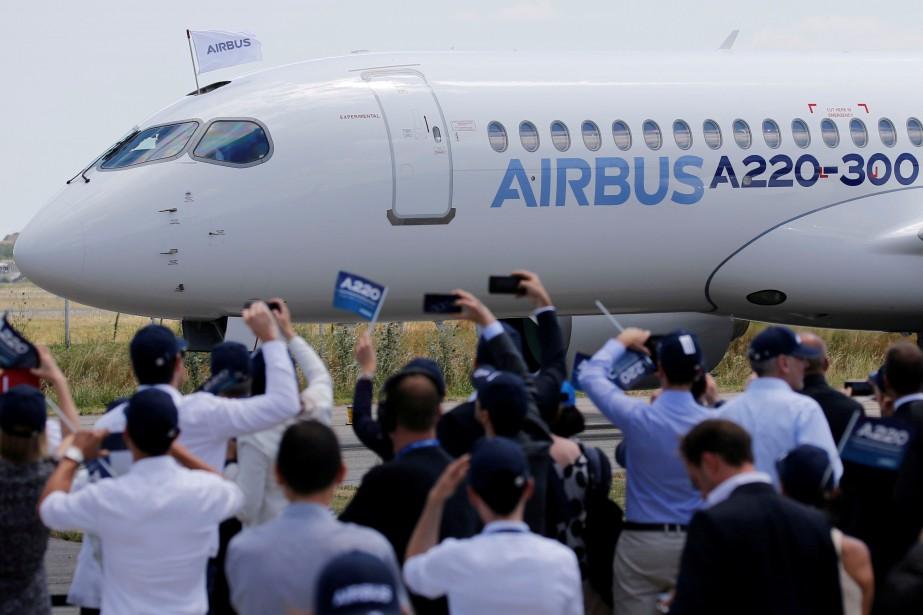 Selon les dernières données fournies par Airbus, l'A220... (Photo Regis Duvignau, REUTERS)