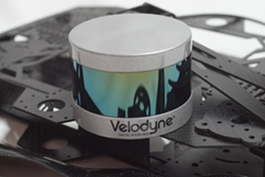 Un capteur lidar VLP-16 pour automobile, de Velodyne.... (Photo Velodyne)