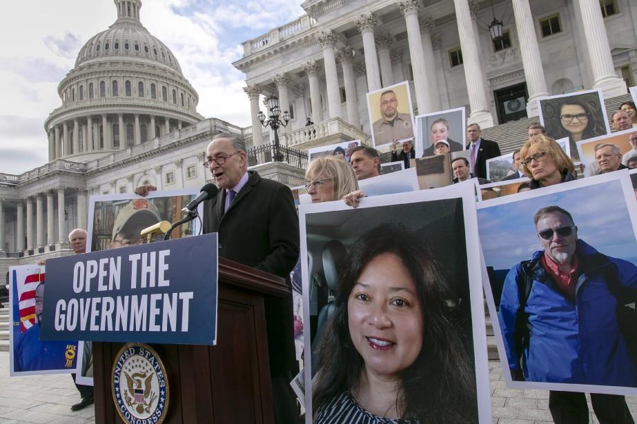 Chuck Schumer, chef des démocrates au Sénat, a... (PHOTO AP)