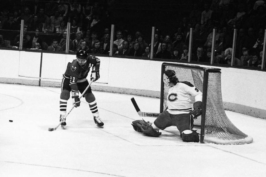 Stan Mikita, grande vedette des Blackhawks de Chicago,... (Photo Robert Nadon, archives La Presse)