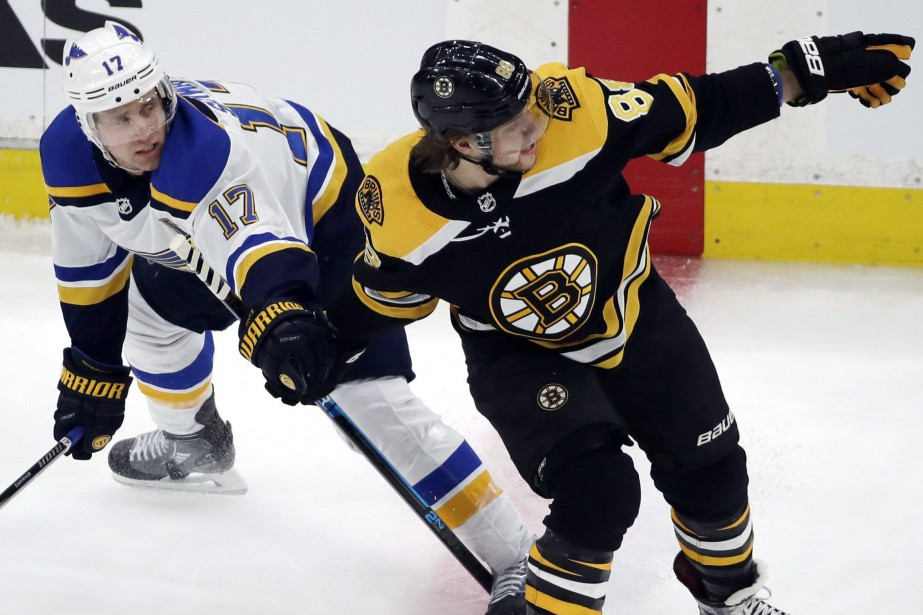 Jaden Schwartz (17) des Blues de St. Louis... (Photo Elise Amendola, AP)