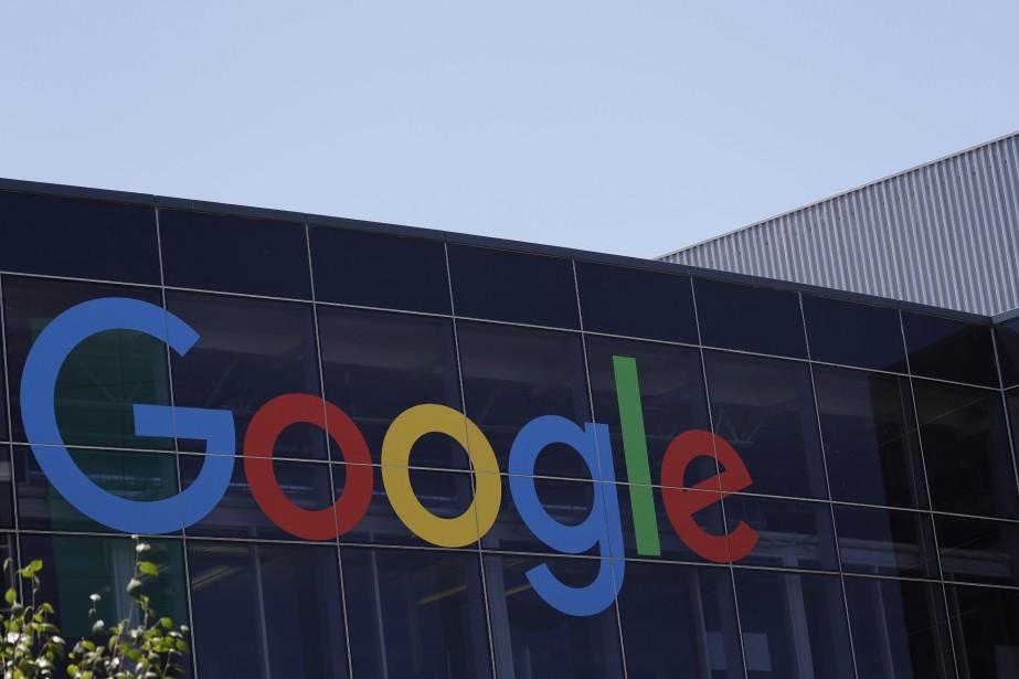 Google pourrait lancer sa propre montre connectée, sur... (Photo Marcio Jose Sanchez, archives AP)