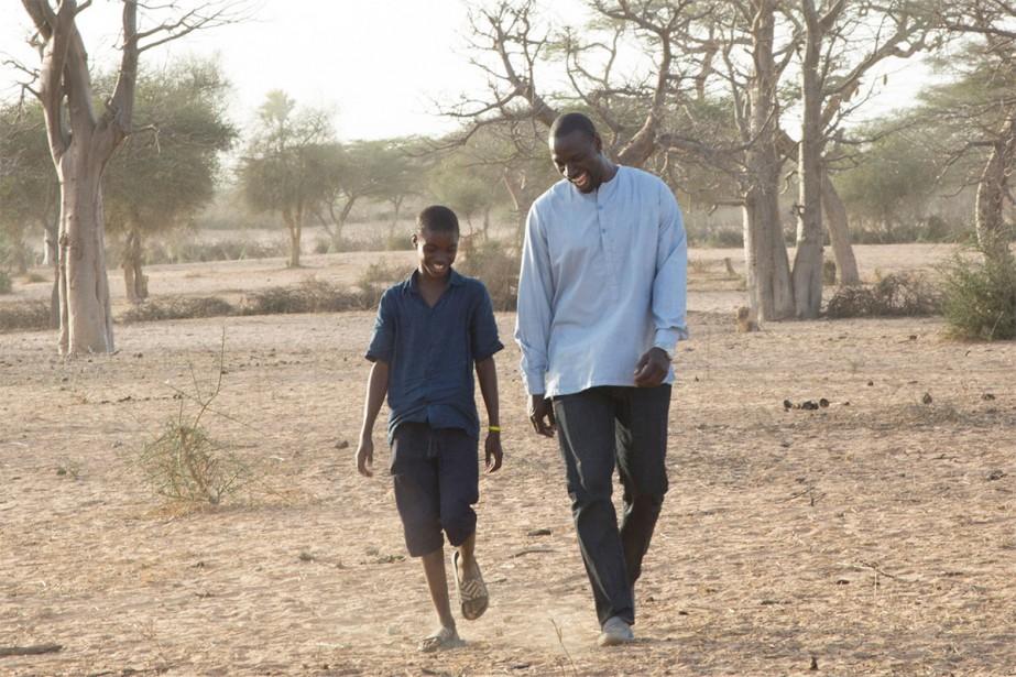 Lionel Louis Basse et Omar Sy dans Yao... (Photo fournie par Pathé)