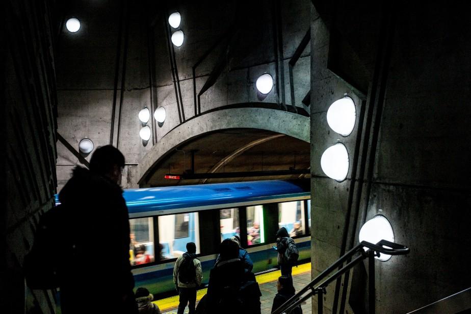 Deux lignes du métro de Montréal... (PHOTO MARTIN TREMBLAY, archives LA PRESSE)