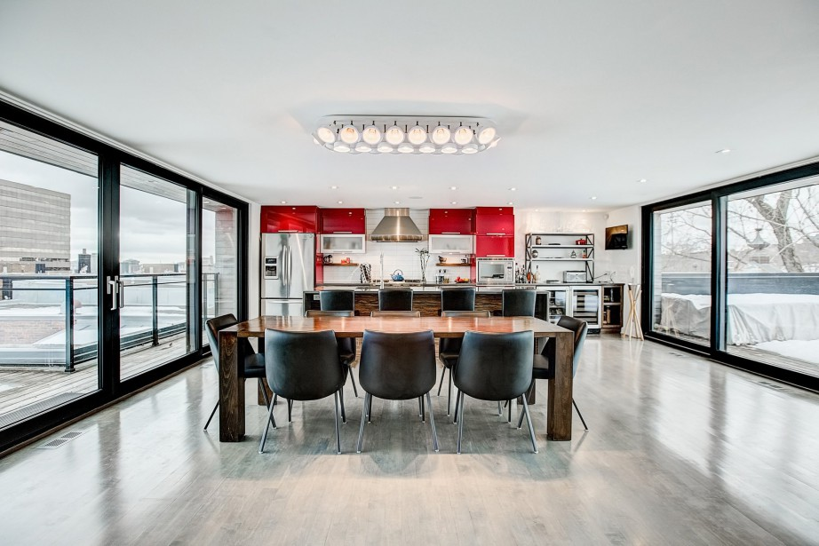 La cuisine, sont îlot et la salle à... (Photo fournie par Engel & Volkers)