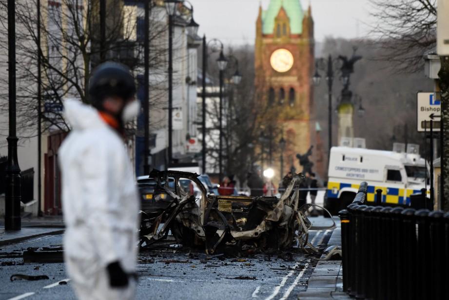 La voiture a explosé samedi peu après 20h... (PHOTO REUTERS)