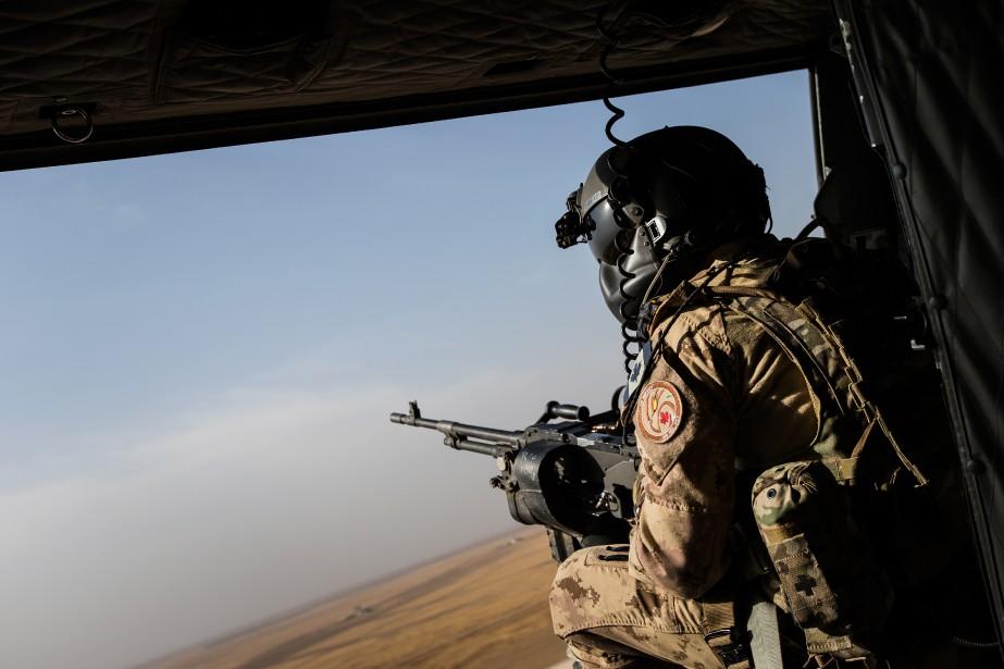 L'ex-soldat, homosexuel, blâme l'armée pour sa maladie:il a... (PHOTO ÉDOUARD PLANTE-FRÉCHETTE, LA PRESSE)
