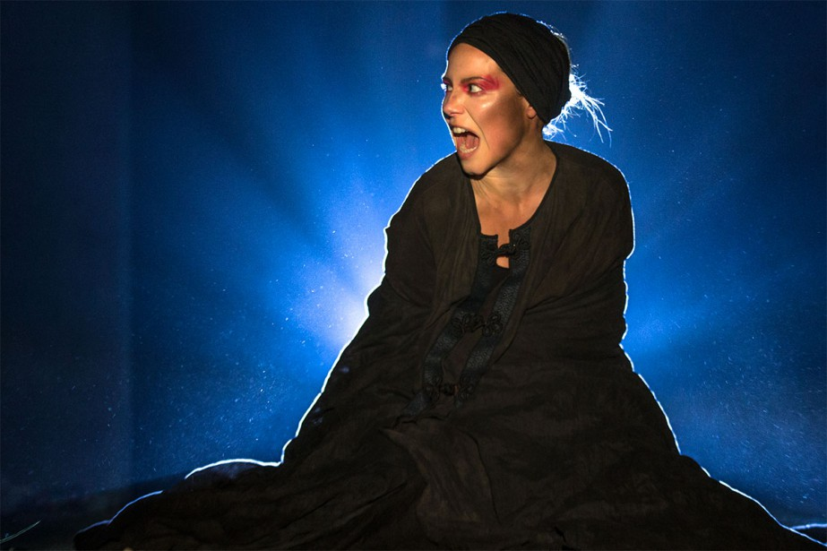 Magalie Lépine-Blondeau en répétition au théâtre Espace Go... (Photo Olivier PontBriand, La Presse)