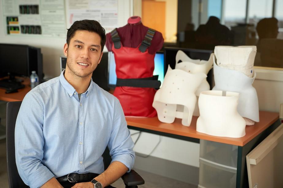Aymeric Guy, 25 ans, veut améliorer le corset... (Photo André Pichette, La Presse)