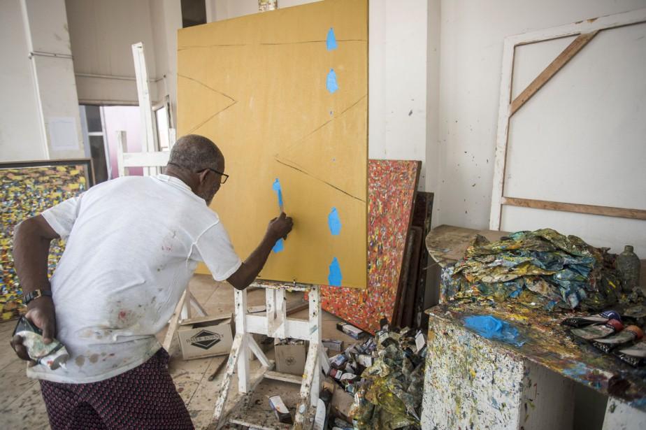À 84 ans, Ablade Glover. fondateur de l'Artists... (Photo CRISTINA ALDEHUELA, AFP)