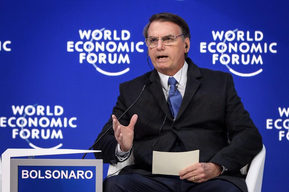 Jair Bolsonaro... (Photo FABRICE COFFRINI, Agence France-Presse)