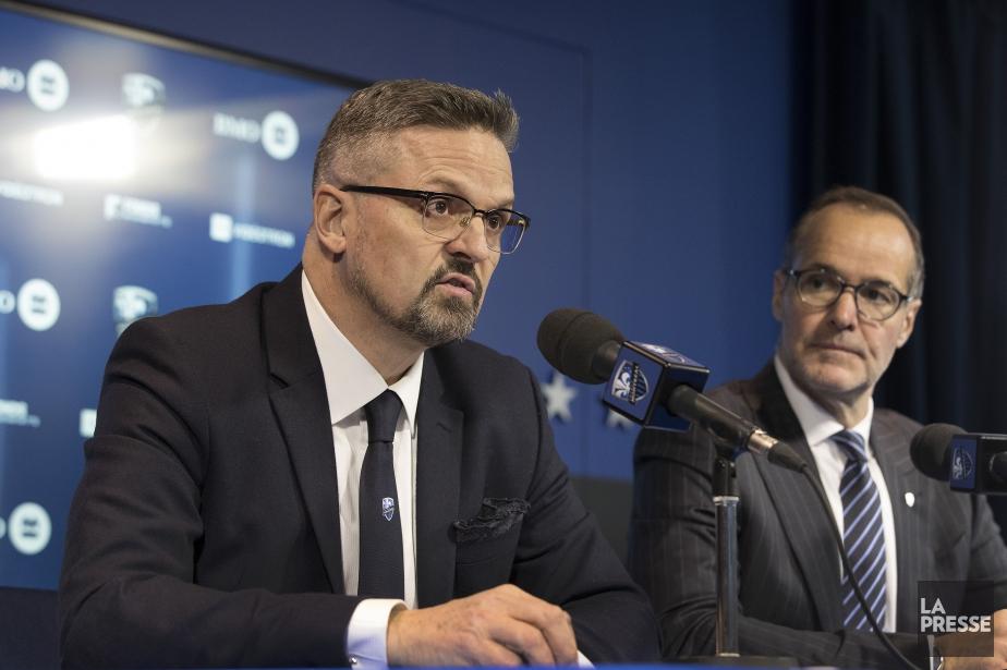 Kevin Gilmore (à gauche) succède au propriétaire Joey... (Photo Robert Skinner, La Presse)