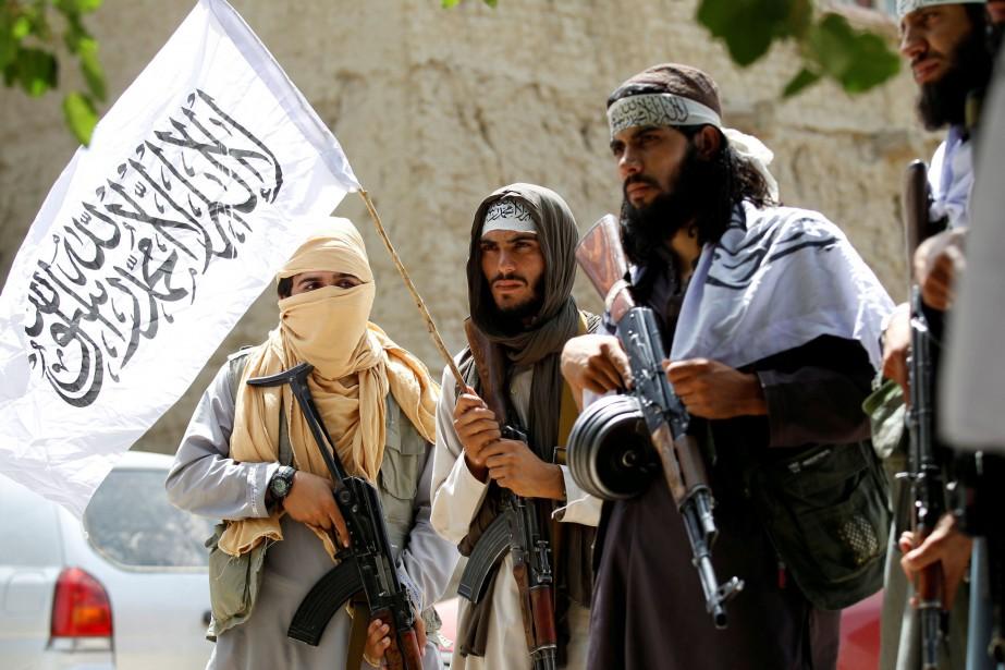 Les États-Unis souhaitent que les talibans engagent des... (PHOTO REUTERS)