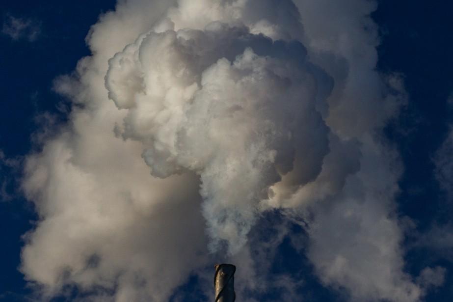 Les odeurs proviendraient d'un arrivage de pétrole brut... (PHOTO MARTIN TREMBLAY, ARCHIVES LA PRESSE)