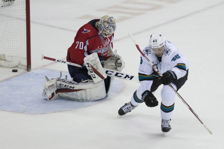 Tomas Hertl a complété un tour du chapeau à 1:48 en prolongation et... (PHOTO AP)