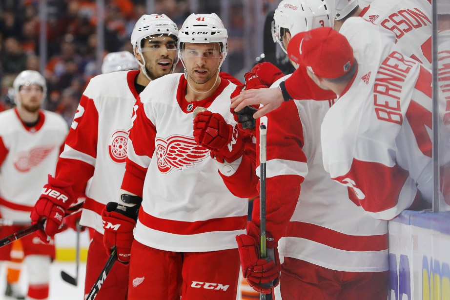 Un doublé de Luke Glendening a mené les Red Wings de Detroit... (PHOTO REUTERS)