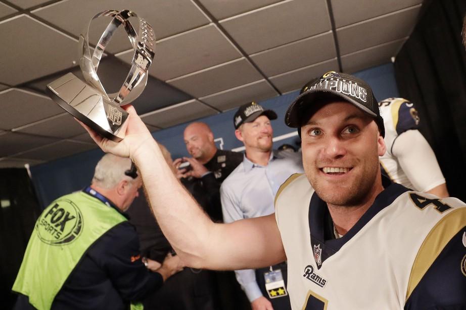 Greg Zuerlein dans le vestiaire des siens après... (PHOTO AP)