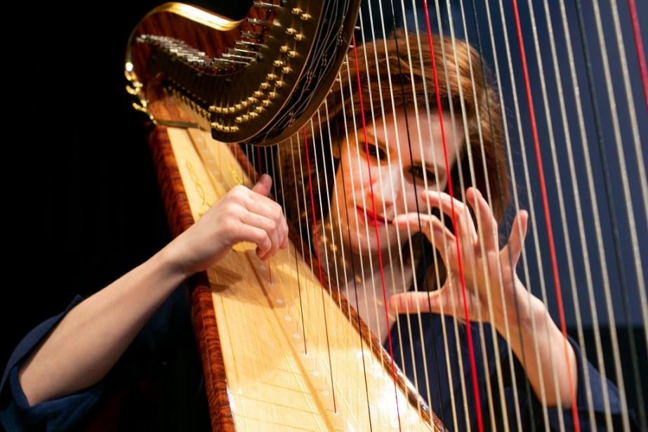 La harpiste Valérie Milot apprécie la puissance de... (Photo David Boily, La Presse)