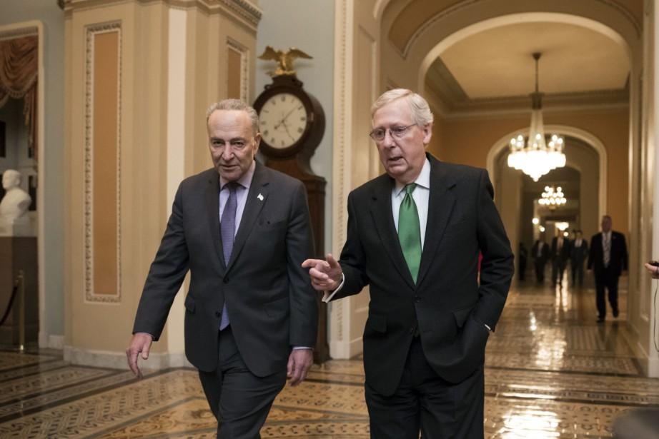 Le chefs démocrate et républicain du Sénat, Chuck... (ARCHIVES AP)