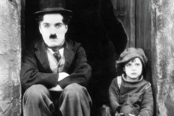 Charlie Chaplin dans The Kid... (Photofournie parCriterion Collection)
