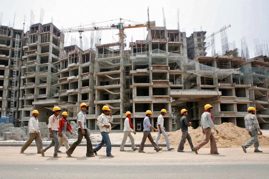 Le boom économique de l'Inde - Alors que la Chine a été l'étoile des pays émergents depuis les années 80, l'Inde est destinée à devenir la locomotive de la croissance économique mondiale pour la prochaine décennie. Maxime Bergeron a parcouru plusieurs provinces pour témoigner du boom de ce mastodonte de 1,3 milliard d'habitants. Ses reportages sur le terrain ont aussi permis de mettre en lumière les investissements massifs - et méconnus - de la Caisse de dépôt en Inde. | 25 janvier 2019