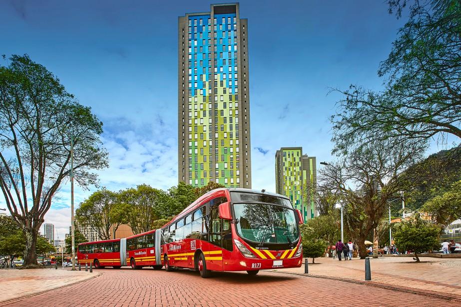 Le service rapide par bus TransMilenio de Transdev... (PHOTO FOURNIE PAR TRANSDEV)