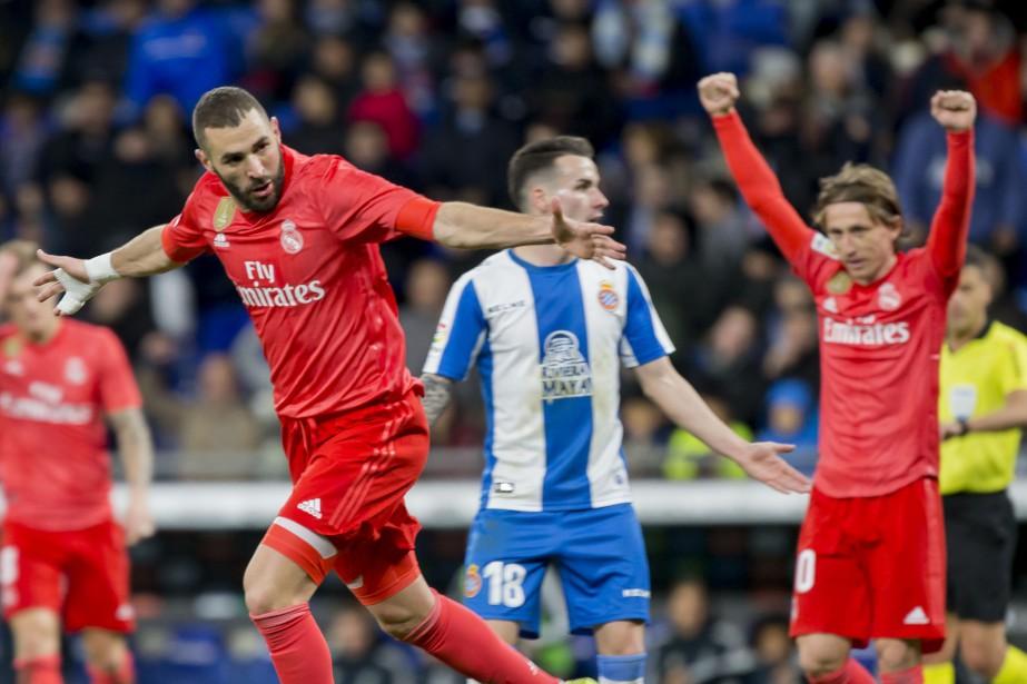 Karim Benzema a donné le tournis aux défenseurs... (PHOTO AP)