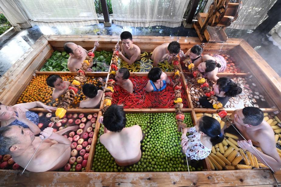 Les clients du First World Hotel, situé dans... (Photo CHINA STRINGER NETWORK, REUTERS)
