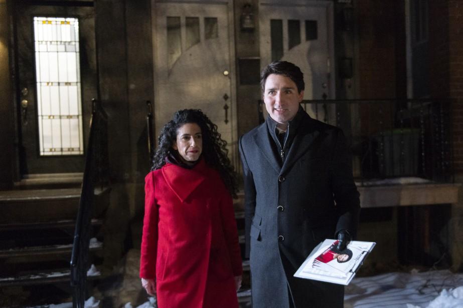 Le premier ministre Justin Trudeau et la candidate... (Photo Paul Chiasson, la presse canadienne)