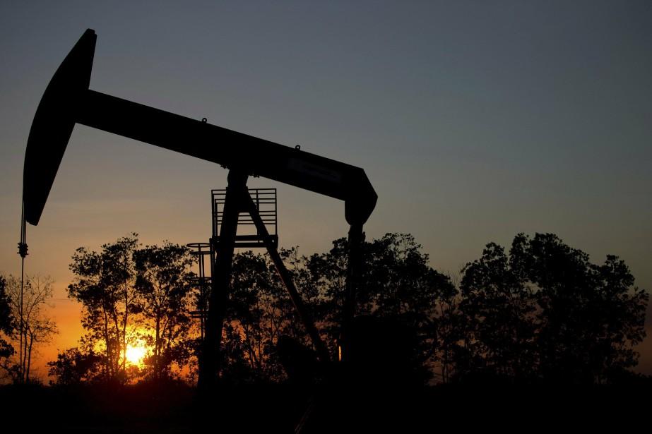 Vers 6h00, le baril de Brent de la... (Photo Fernando Llano, AP)