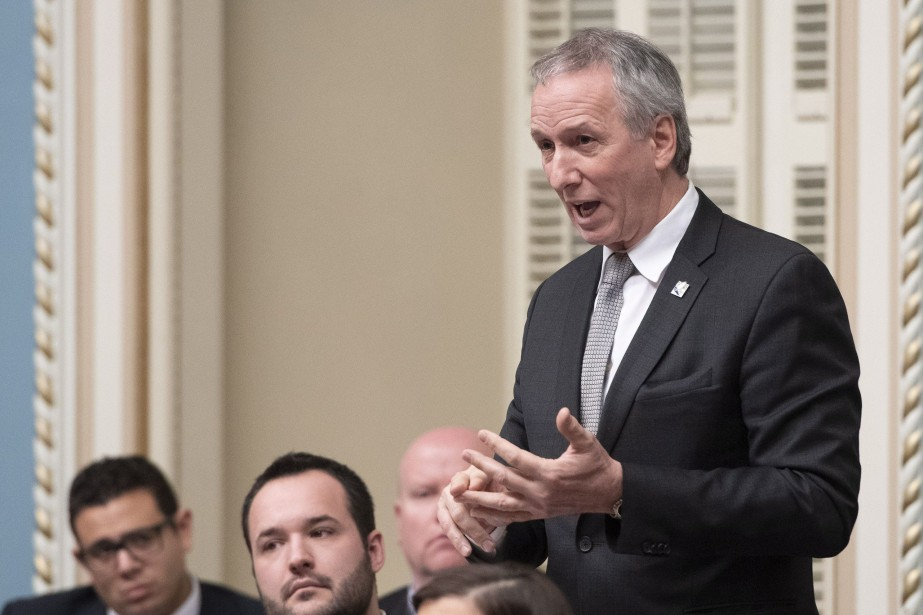 Le ministre de... (Photo Jacques Boissinot, archives La Presse canadienne)