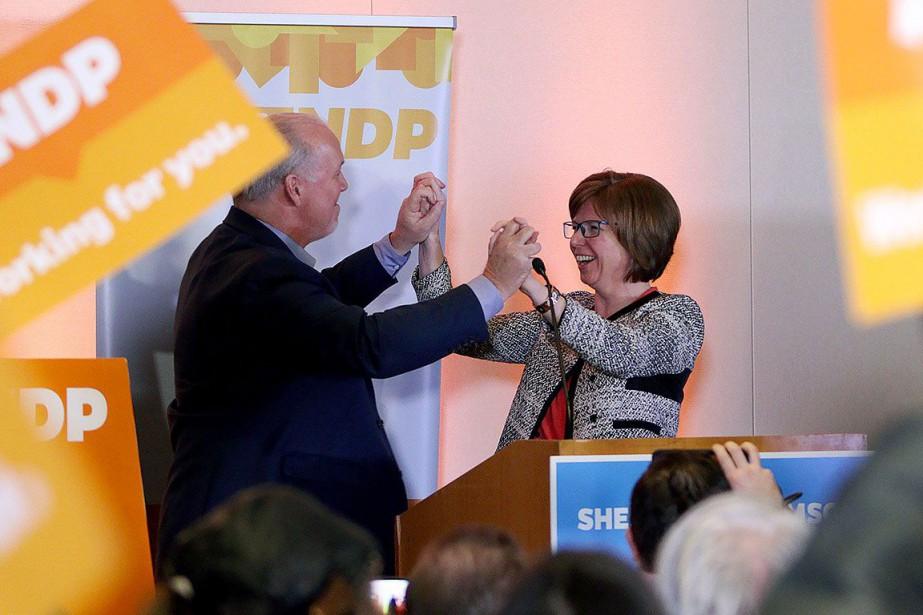 Le premier ministre John Horgan et la néo-démocrate... (Photo CHAD HIPOLITO, PC)