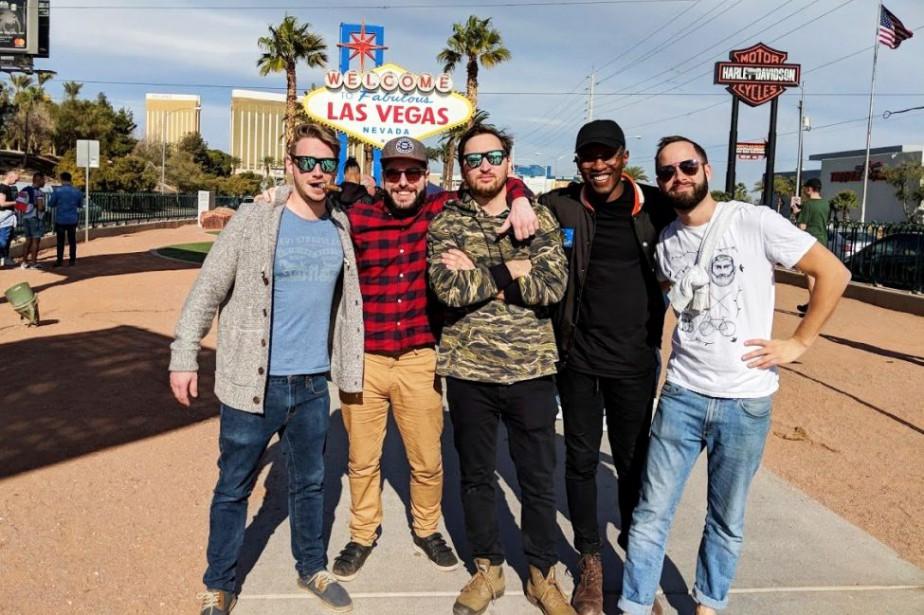 Charles Pagé-Rainville et ses amis, à Las Vegas... (Photo fournie par Charles Pagé-Rainville)