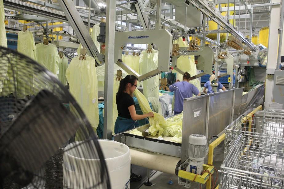 Les 146 travailleuses de la Buanderie Blanchelle, une... (Photo Martin Chamberland, archives La Presse)