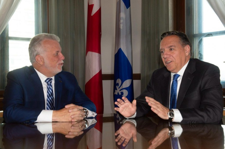 Le premier ministre Philippe Couillard et François Legault,... (PHOTO JACQUES BOISSINOT, ARCHIVES LA PRESSE CANADIENNE)