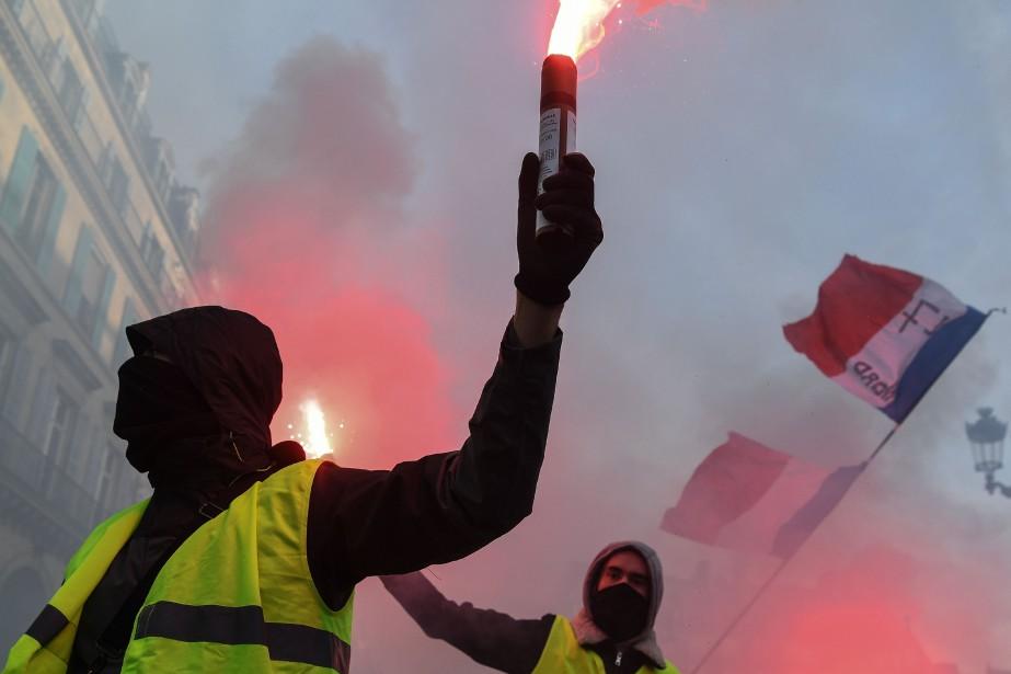 Dans les cortèges, les revendications étaient nombreuses: hausse... (Photo ALAIN JOCARD, Agence France-Presse)