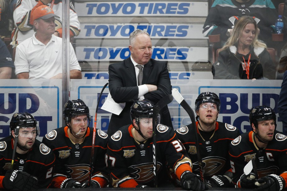 Les Ducks d'Anaheimont une fiche désastreuse de 2-12-4... (Photo Jae C. Hong, archives AP)
