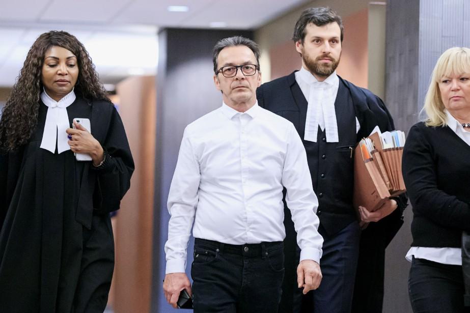 Michel Cadotte (au centre) est accusé du meurtre... (Photo Alain Roberge, La Presse)