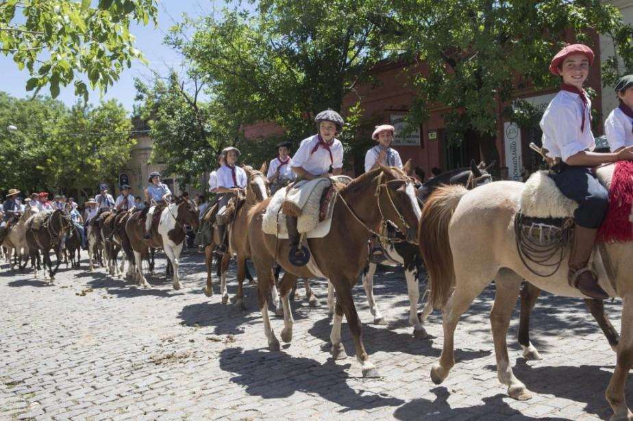 Grand défilé dans les rues de San Antonio... (Photo Izabel Zimmer, collaboration spéciale)